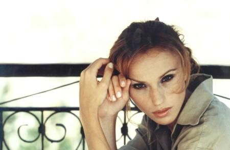 1998: Gülşen hala komşu kızı görünümünden kurtulamamış!